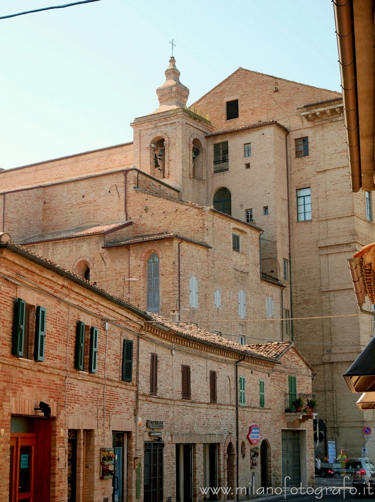 Street in the old centrum of Recanati
